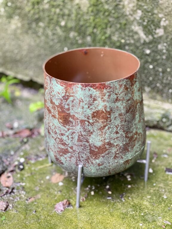Zdjęcie doniczki lub oslonki: Osłonka na nóżkach Obeliks 13x15 cm, ujęcie 1