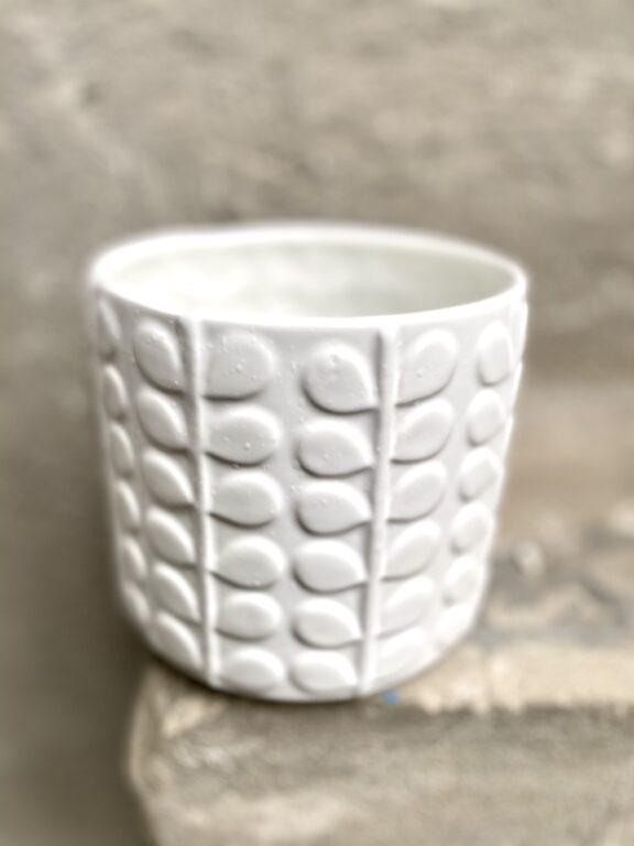 Zdjęcie doniczki lub oslonki: Osłonka Akant White 12x12 cm, ujęcie 1